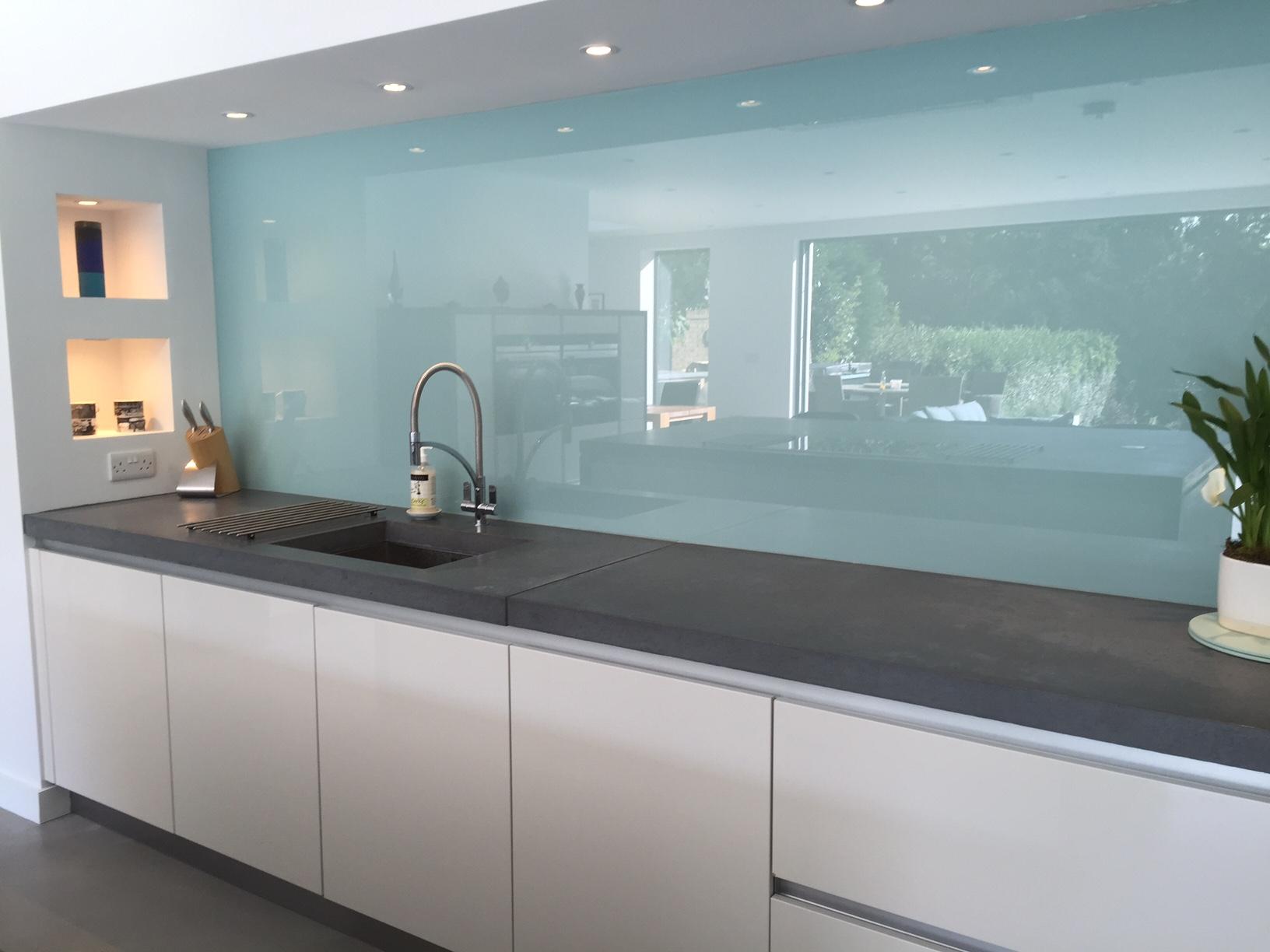 Wentworth Design - Sunbury - How To Clean Your Glass Splashback